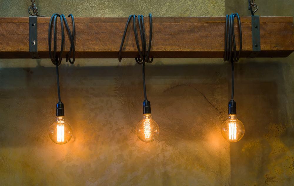 Glazen lampen in industriële stijl